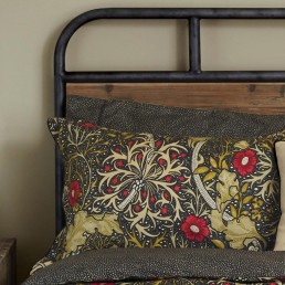 William Morris Seaweed Housewife P/Case