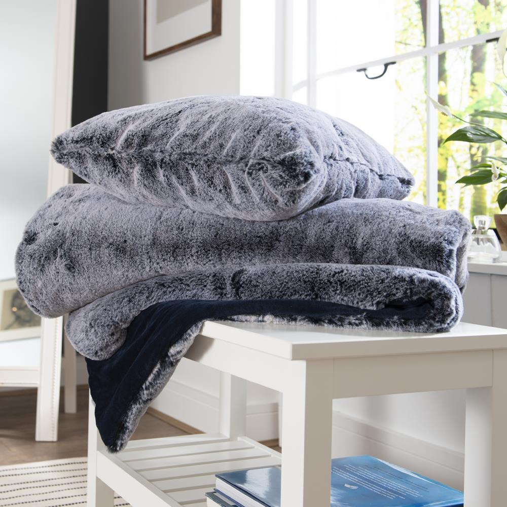 Montrose Faux Fur Throw 130cm x 170cm