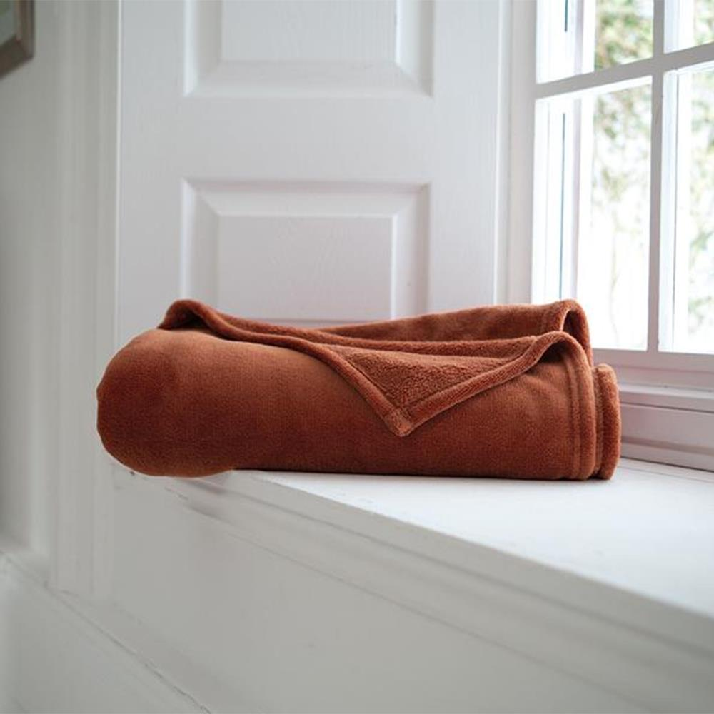 Snuggle Touch Throw Bronze