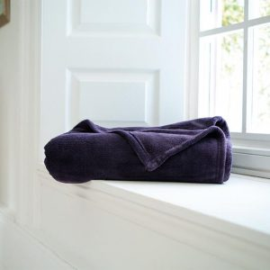 Snuggle Touch Throw Purple