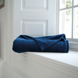 Snuggle Touch Throw Peacock