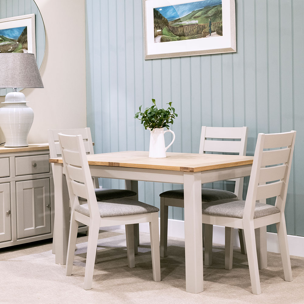 Brittany Extending Dining Table & 4 Dining Chairs