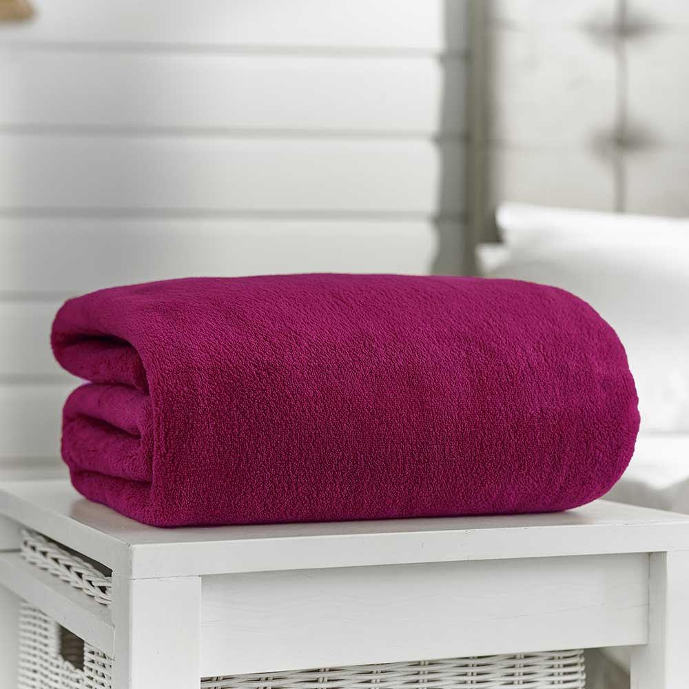 Snuggle Touch Throw Magenta 140cm x 180cm