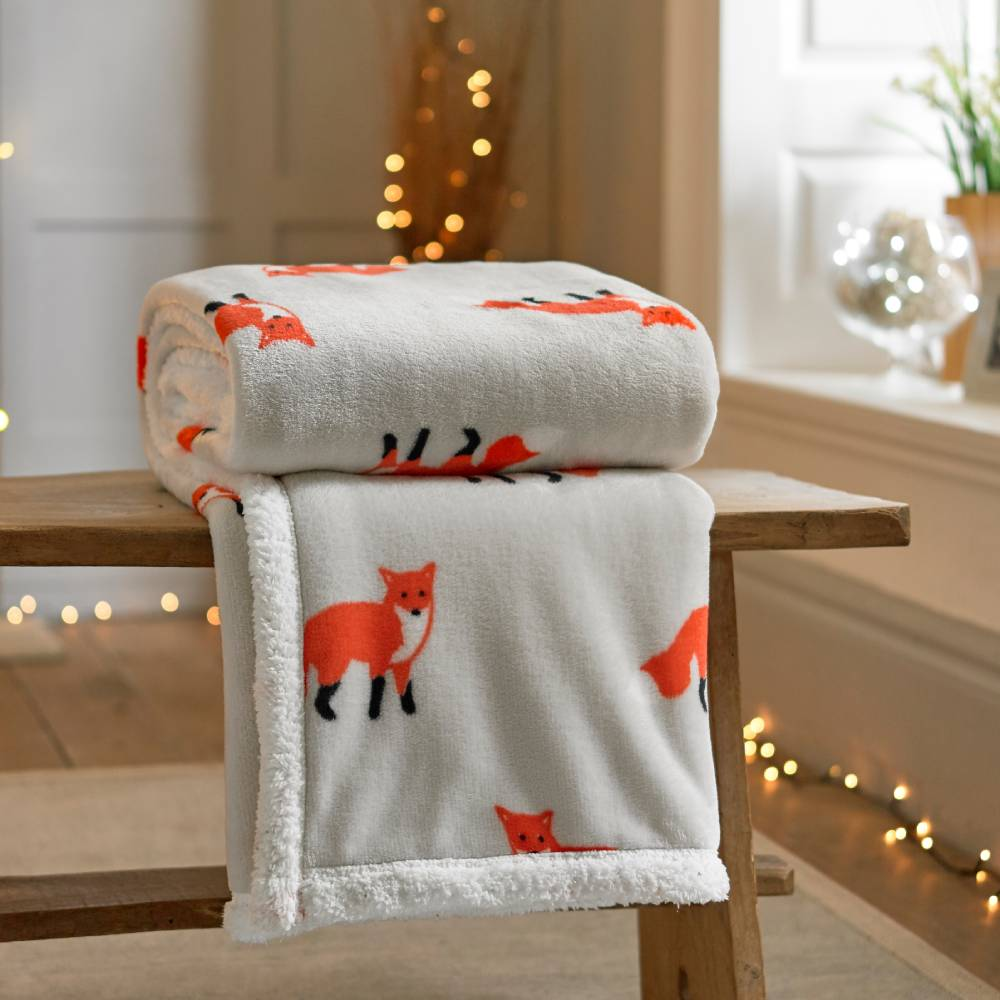 Printed Flannel Throw 140 X 180cm Red Fox